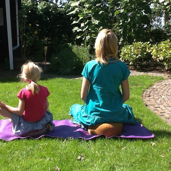 kinder mindfulness yoga