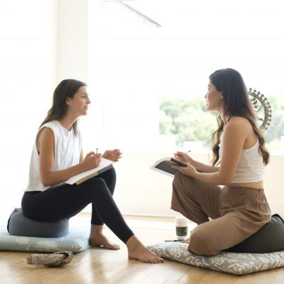 mindfulness en yin yoga voor burnout coaching