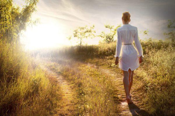 Walking-Meditation-1024x868